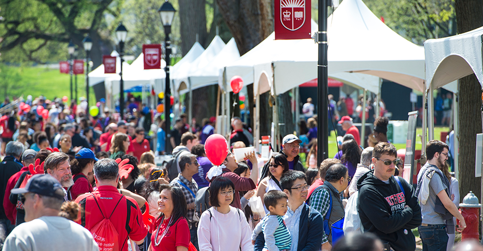 Crowd at Voorhees Mall during 2019 Rutgers Day